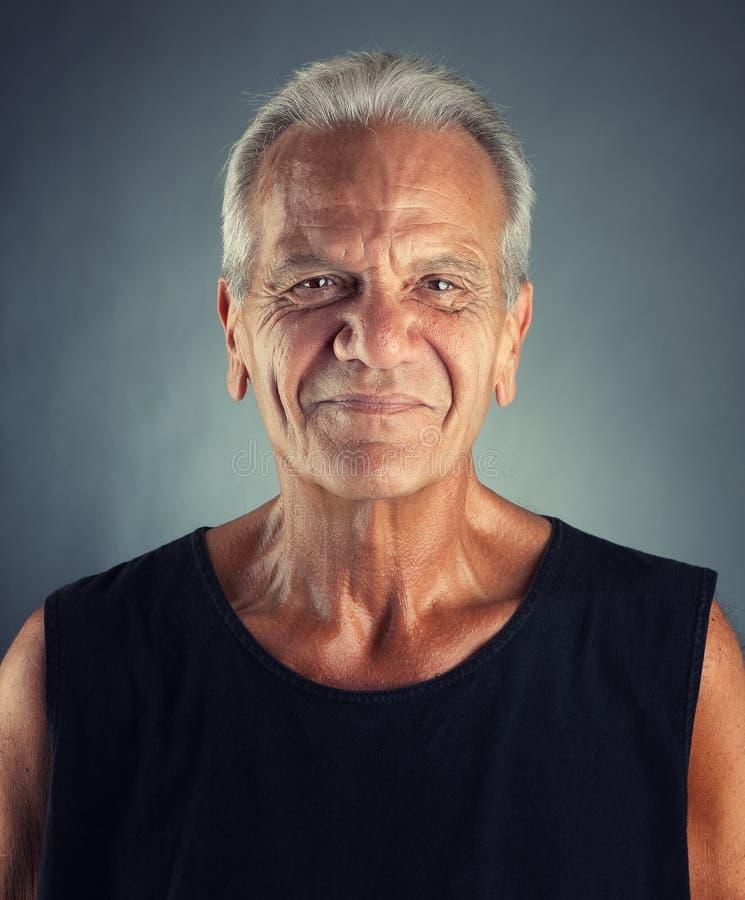 Retrato idoso ordinário do homem foto de stock royalty free