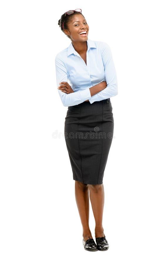Retrato integral de la empresaria afroamericana feliz en blanco imagen de archivo