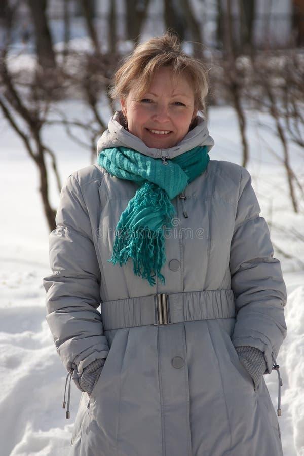 Retrato invernal ao ar livre fotos de stock