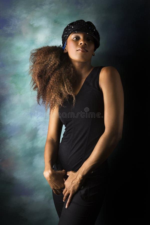 Retrato joven de la mujer del African-American. fotos de archivo libres de regalías