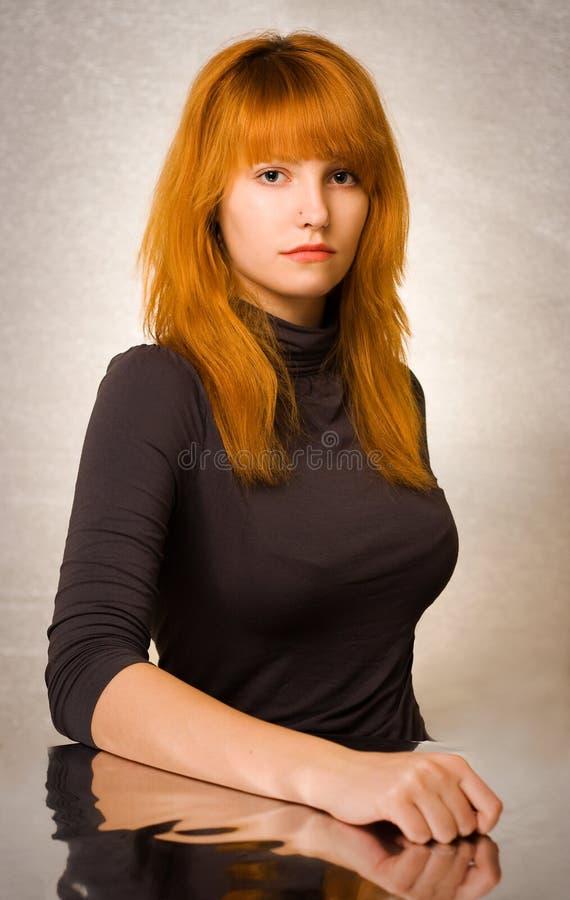 Retrato joven magnífico del redhead. fotos de archivo libres de regalías