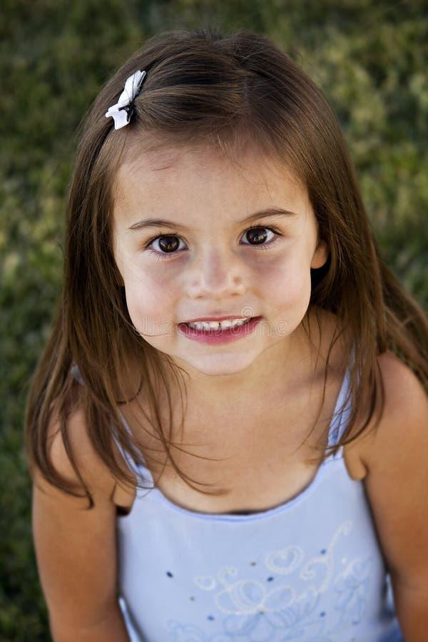 Retrato lindo de la niña imagenes de archivo