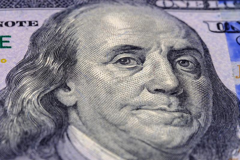 Retrato macro da fotografia de Benjamin Franklin em dólares americanos da cédula cem Feche acima da vista foto de stock