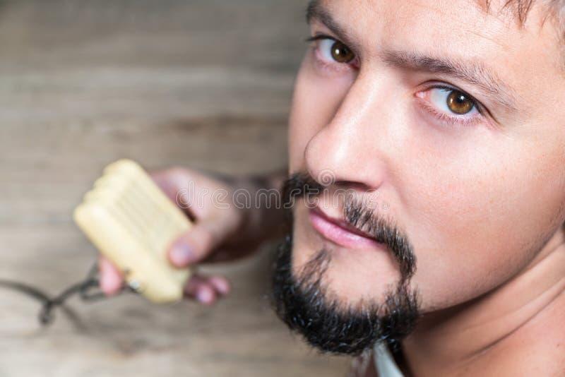 Download Retrato Masculino Do Close Up Com Microfone Foto de Stock - Imagem de caucasiano, authentic: 80100632