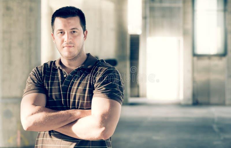 Retrato masculino hermoso del outddor imagen de archivo