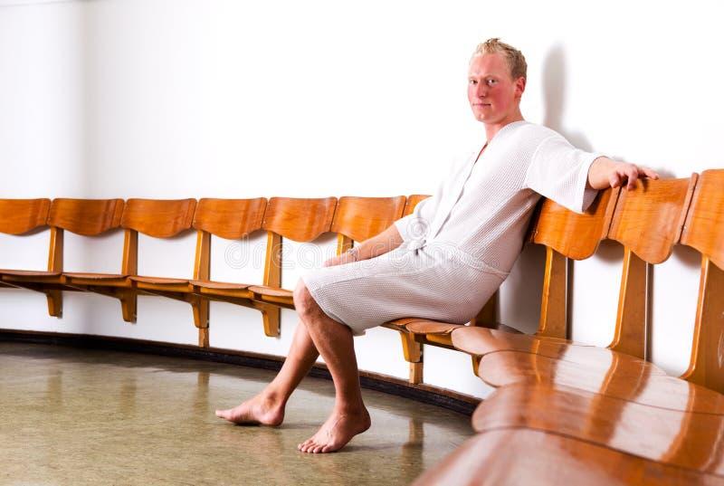 Retrato masculino nos termas imagem de stock royalty free
