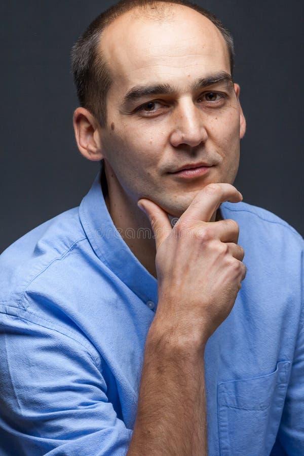 Retrato masculino seguro fotos de stock royalty free
