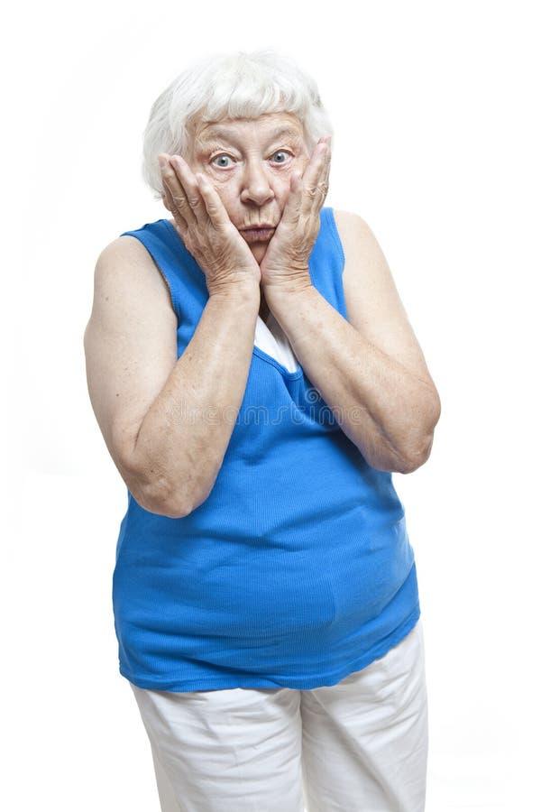 Retrato mayor de la mujer de la incredulidad foto de archivo
