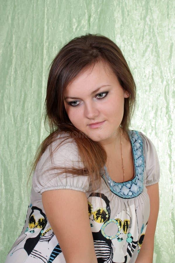 Download Retrato a menina, estúdio. imagem de stock. Imagem de cabelo - 12800041