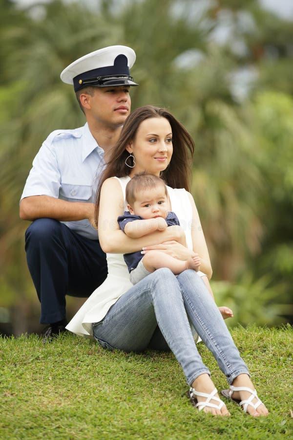 Retrato militar da família fotografia de stock