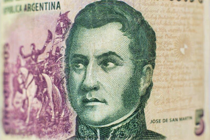 Retrato na conta de dinheiro argentina de 5 pesos foto de stock