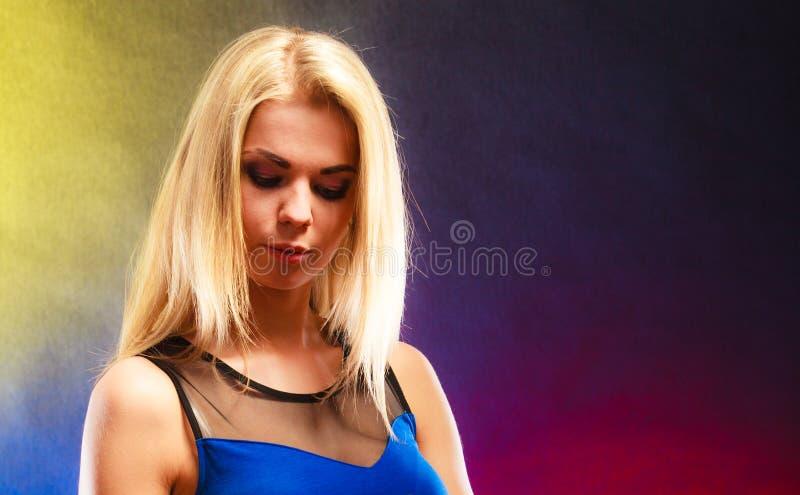 Retrato novo da mulher da beleza imagem de stock royalty free