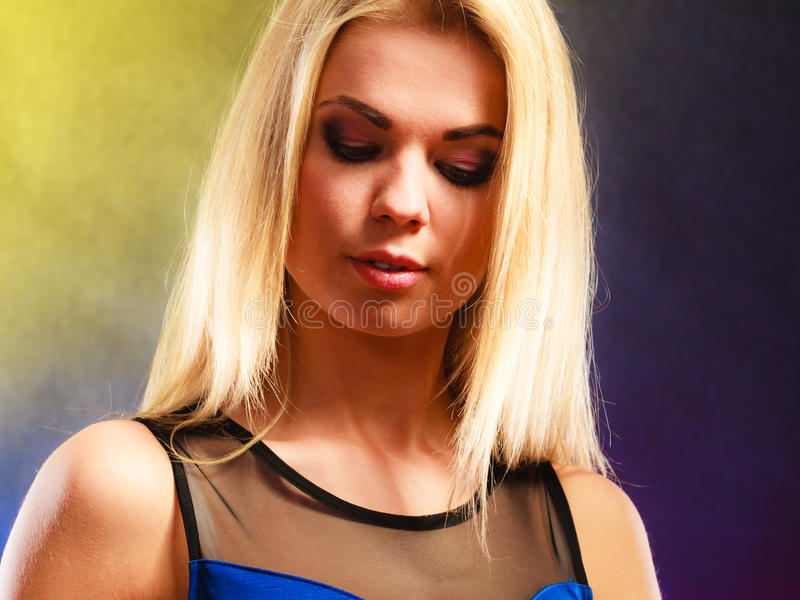 Retrato novo da mulher da beleza fotos de stock royalty free