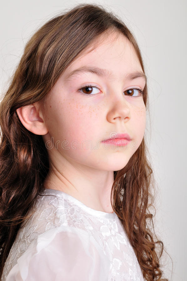 Retrato od del estudio una muchacha bonita imágenes de archivo libres de regalías