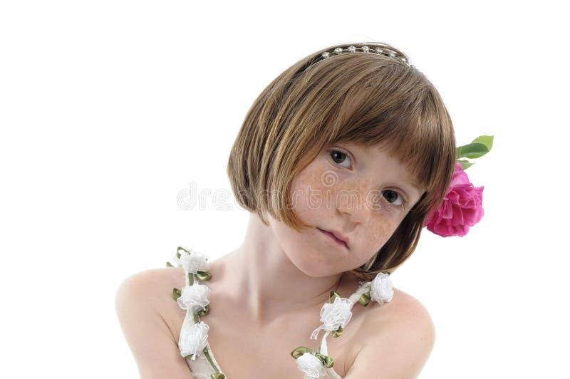 Retrato pecoso de la muchacha fotografía de archivo