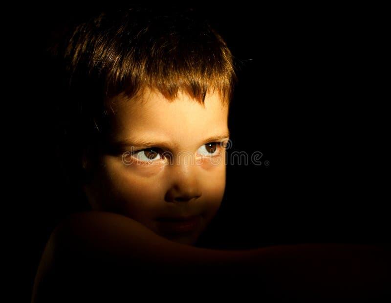 Retrato pensativo del niño imagen de archivo libre de regalías