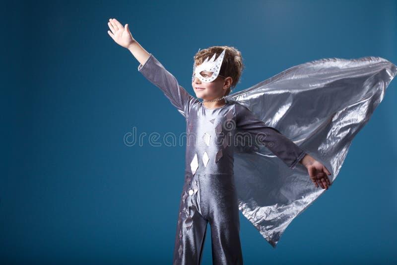 Retrato pequeno do super-herói imagem de stock royalty free