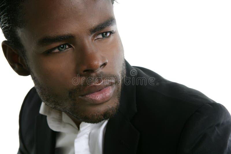 Retrato preto bonito do homem novo de americano africano imagens de stock royalty free