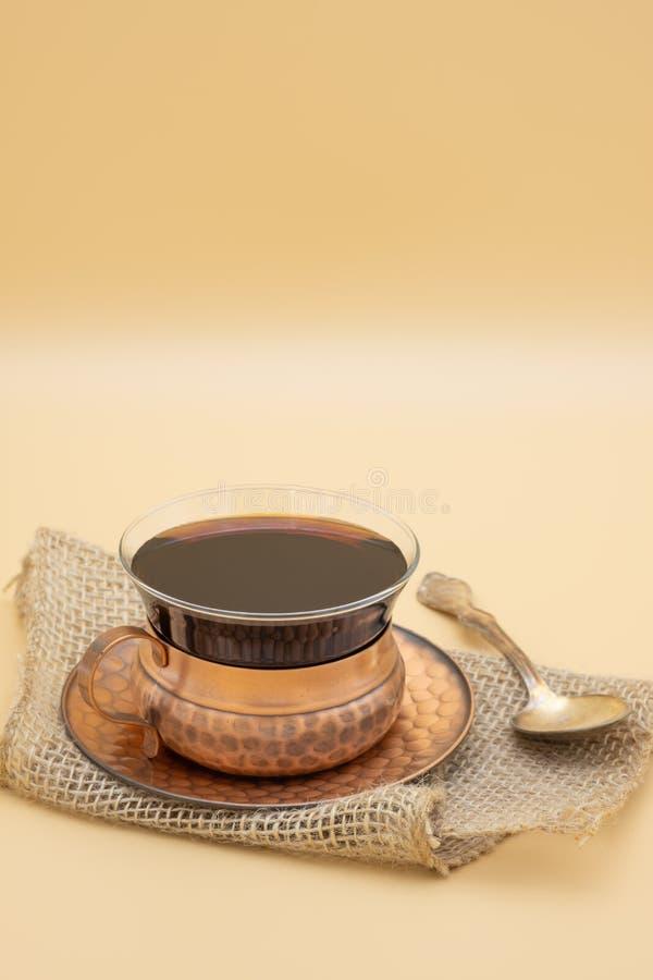 Retrato rústico do ajuste do café imagens de stock