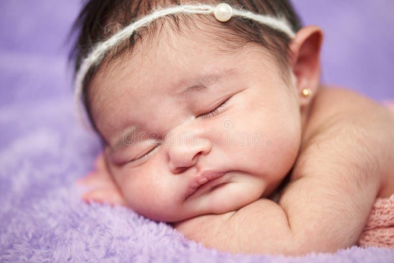 Retrato recién nacido del primer macro fotografía de archivo