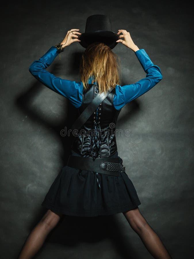 Retrato retro da menina de Steampunk imagens de stock