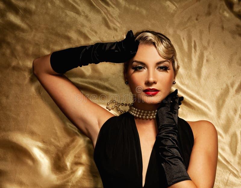 Retrato retro da mulher encantadora fotografia de stock royalty free