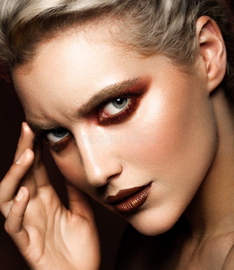 Retrato sensual do encanto da senhora bonita do modelo da mulher fotografia de stock royalty free
