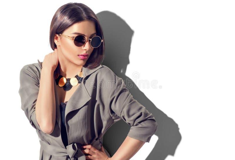 Retrato 'sexy' da mulher com composição perfeita e os acessórios na moda imagem de stock royalty free
