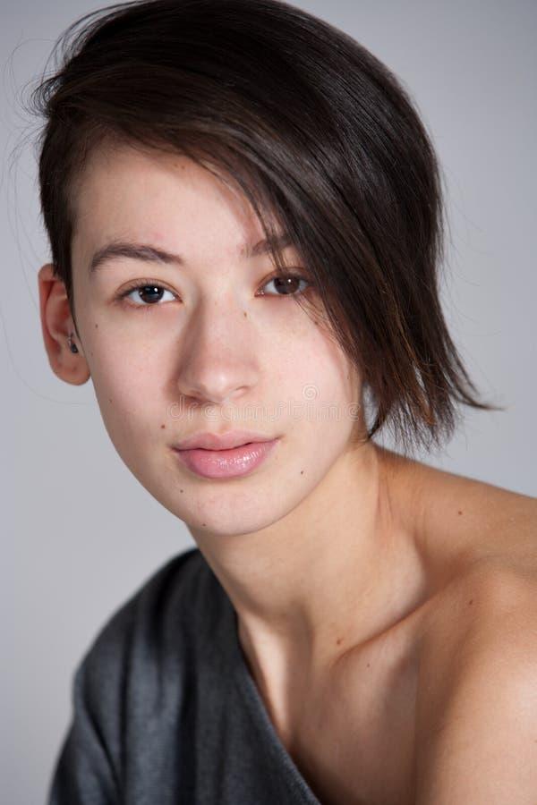 Retrato simple de la muchacha etnic multi del beautifull foto de archivo libre de regalías