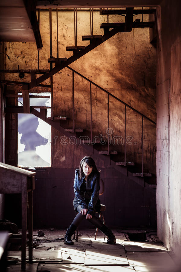 Retrato solitario de la mujer fotos de archivo libres de regalías