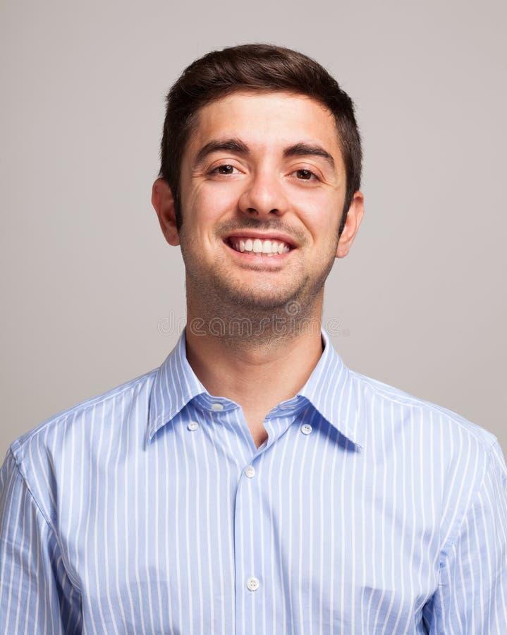 Retrato sonriente del hombre foto de archivo libre de regalías
