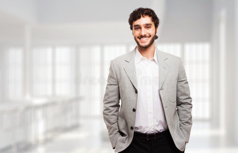 Retrato sonriente joven hermoso del hombre foto de archivo libre de regalías