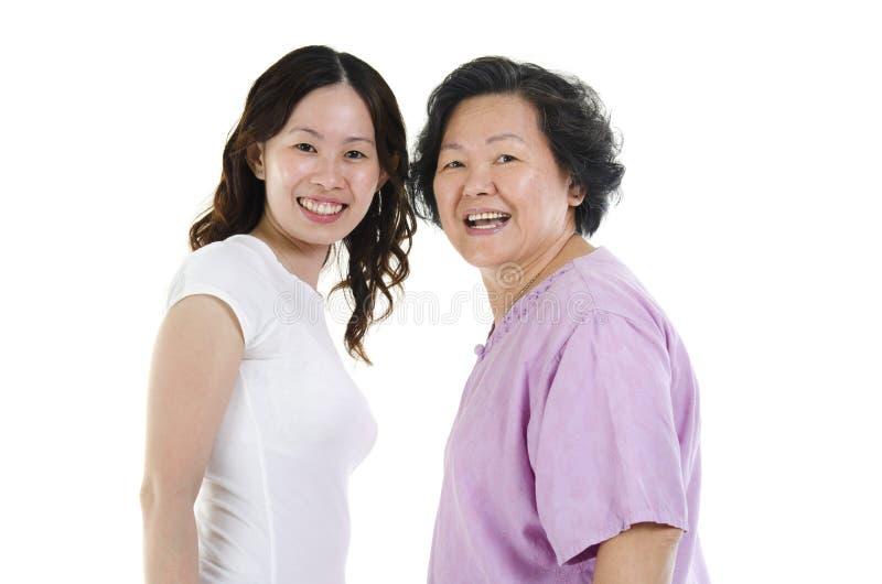 Retrato superior da filha da mãe e do adulto imagens de stock