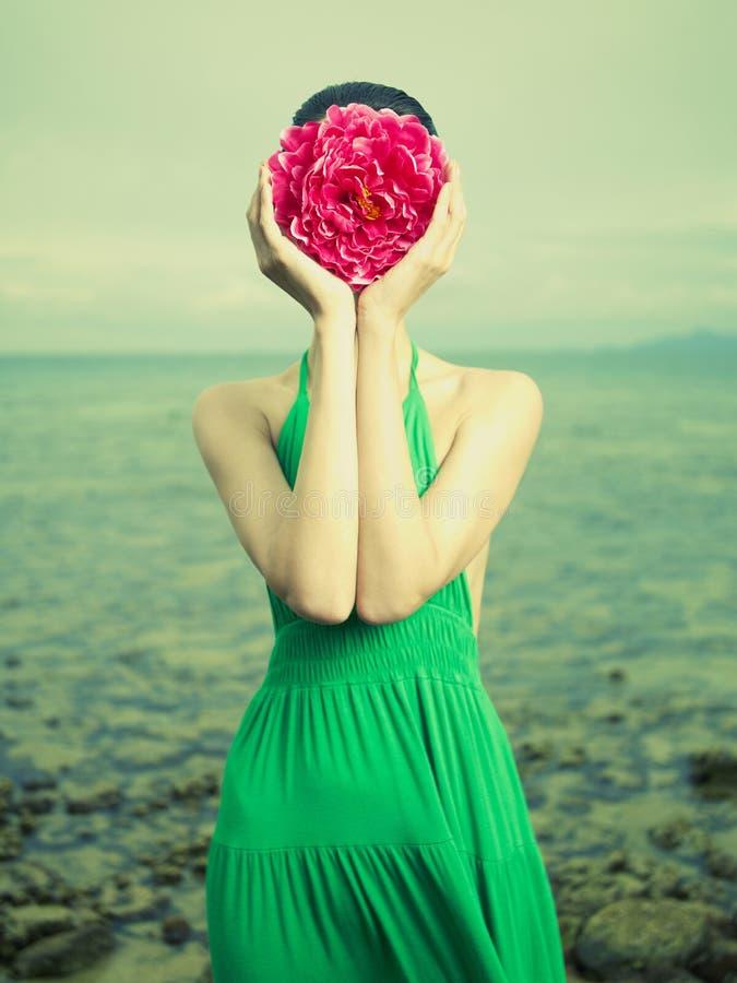 Retrato surrealista de la mujer foto de archivo libre de regalías