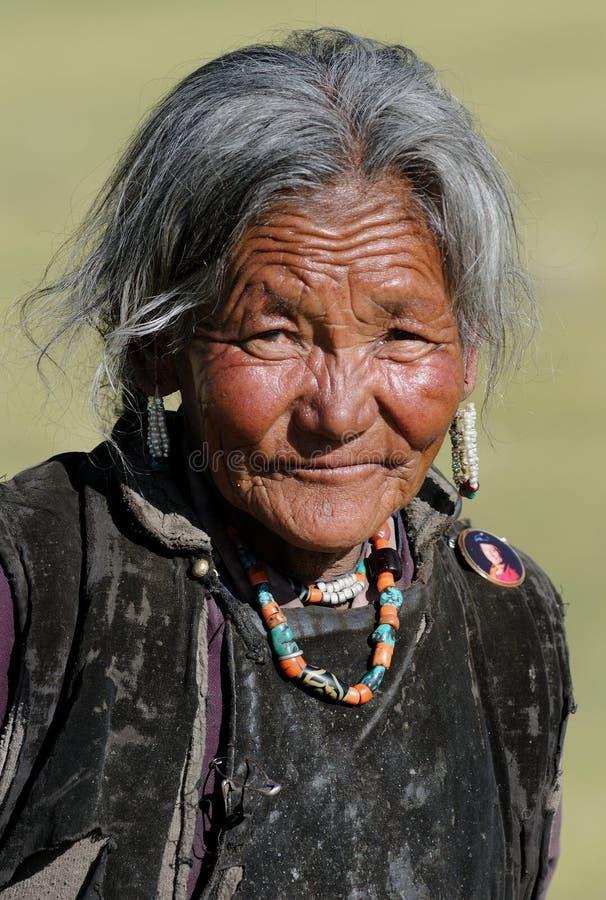 Retrato tibetano de la mujer fotos de archivo libres de regalías