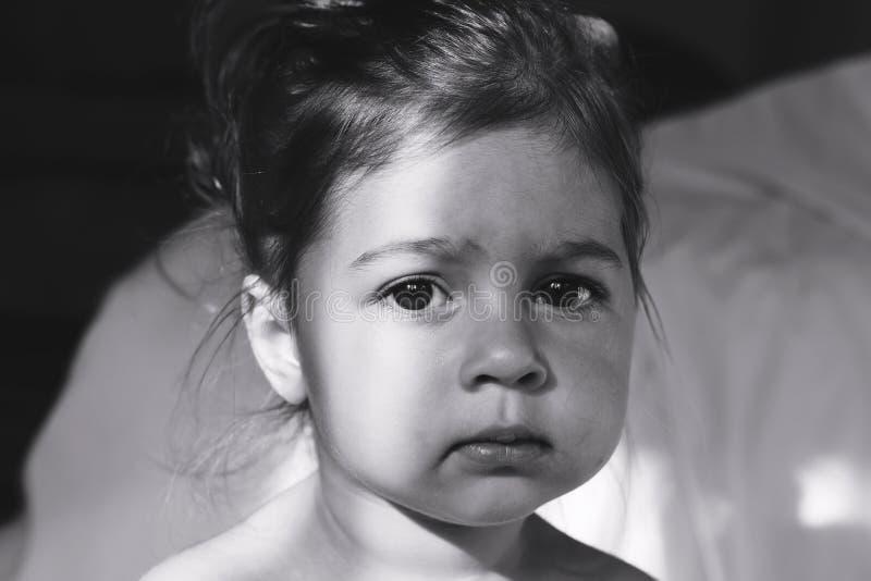 Retrato tonificado do pensamento triste bonito da menina fotografia de stock royalty free