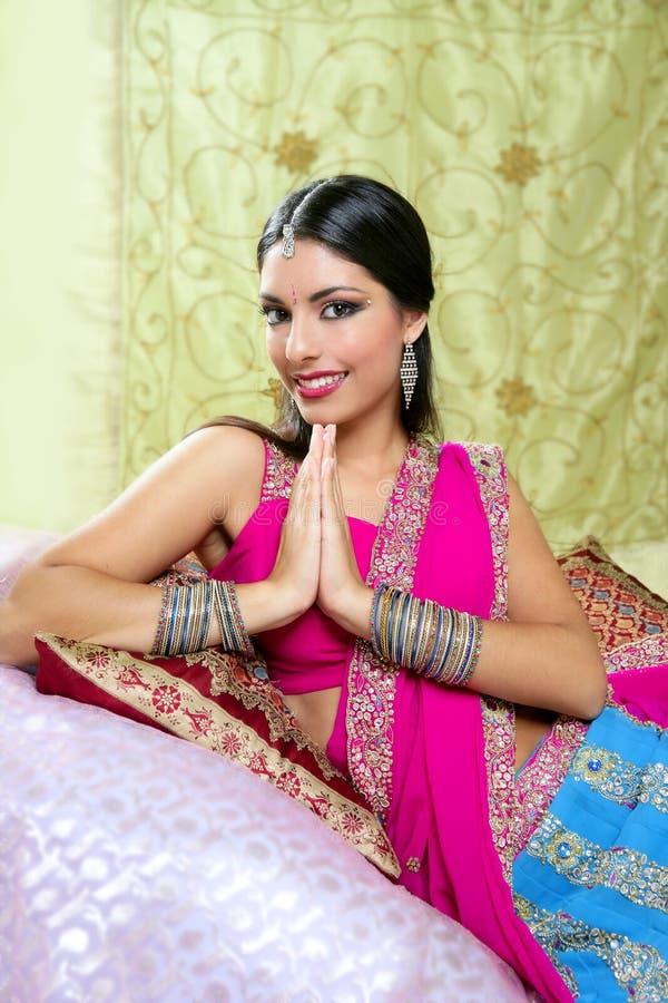 Retrato trigueno indio hermoso de la mujer fotografía de archivo