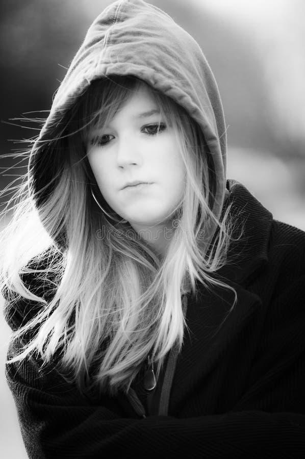 Retrato urbano de la muchacha imagenes de archivo