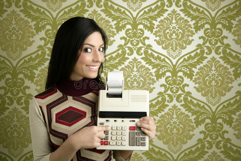 Retro accountant woman calculator wallpaper