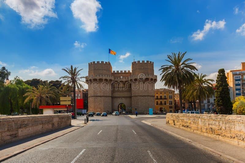 Download Retro Architektura Przy Walencja Hiszpania Zdjęcie Stock - Obraz złożonej z błękitny, bazylika: 28965684