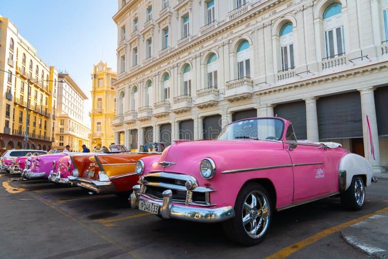 Retro auto als taxi voor toeristen in Havana Cuba royalty-vrije stock afbeelding