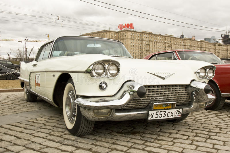 Retro- Auto Cadillac-Eldorado Redaktionelles Stockfoto