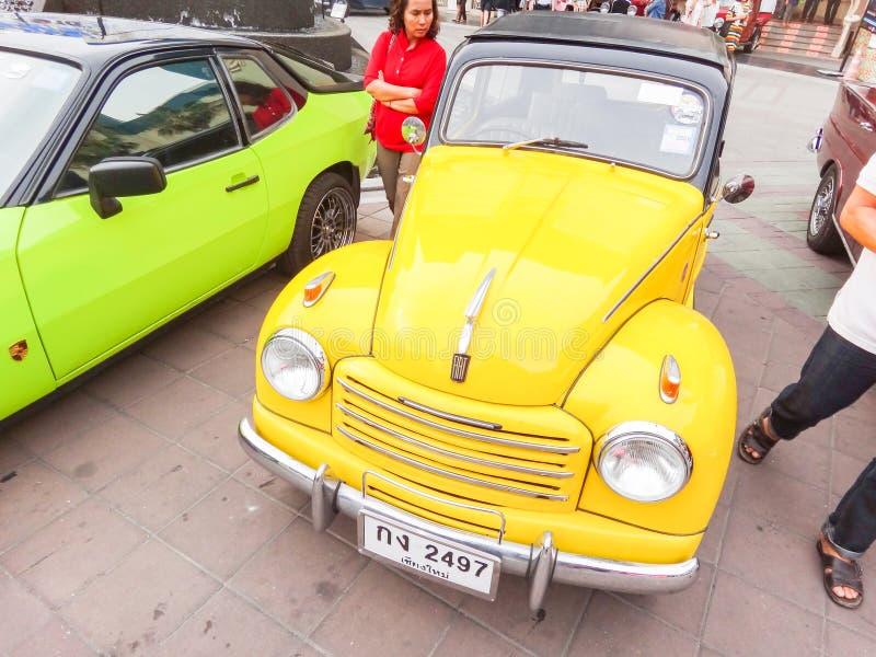 Retro auto in Chiang Mai, Thailand royalty-vrije stock fotografie