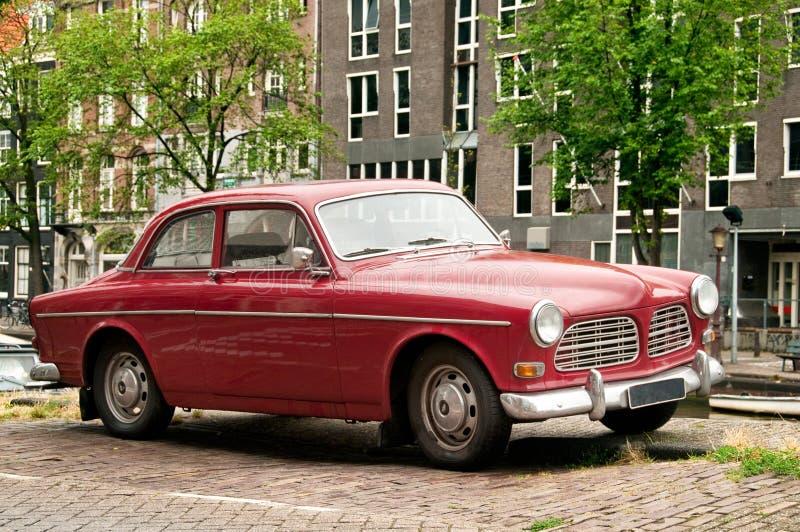 Retro- Auto in der Amsterdam-Straße lizenzfreie stockbilder