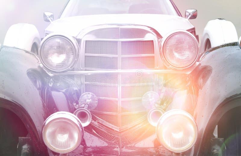 Retro- Autohintergrund mit Farbfiltern stockfotos