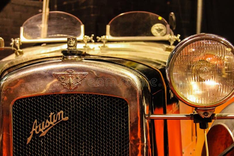 Retro- Automobil Austin-Emblem Heizkörper-Grill lizenzfreie stockfotografie