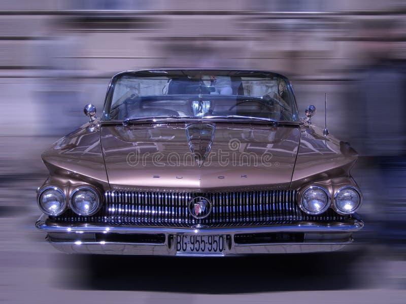 Retro automobile alla vecchia manifestazione di automobile del temporizzatore fotografia stock libera da diritti
