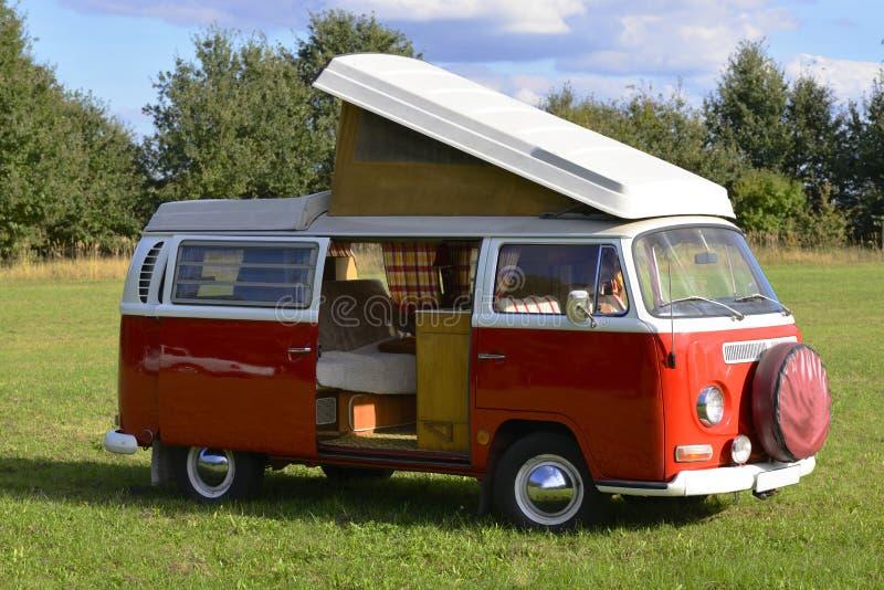Retro automobile, bus 1969, modello di campeggio di Volkswagen fotografia stock
