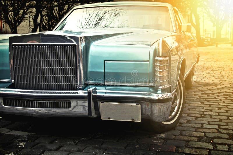Retro automobile dell'annata immagine stock