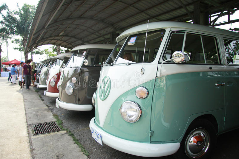 Retro automobile di Volkswagen/bus d'annata di spaccatura immagini stock libere da diritti